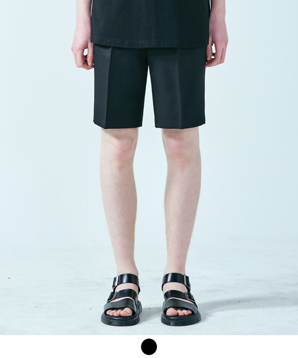 SOLID ONETUCK SHORTS
